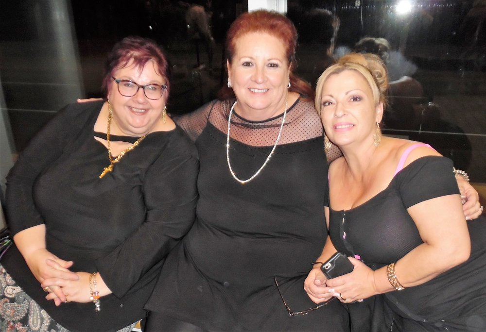 Wendy, Sue, and Rita after  Gordon Hendricks ' concertin Niagara Falls, October 21st, 2017