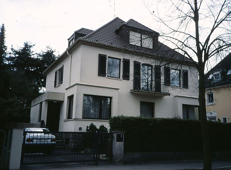 Goethestrasse 14, the home of Elvis Presley in Bad Nauheim.  Photo from Wikipedia .