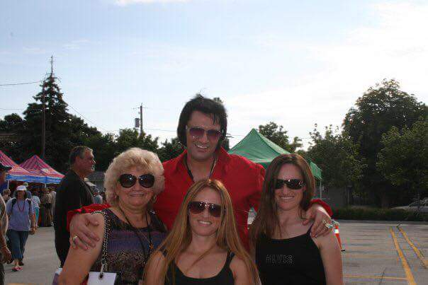 Family at Collingwood, 2010: Tim with his mom and two sisters.