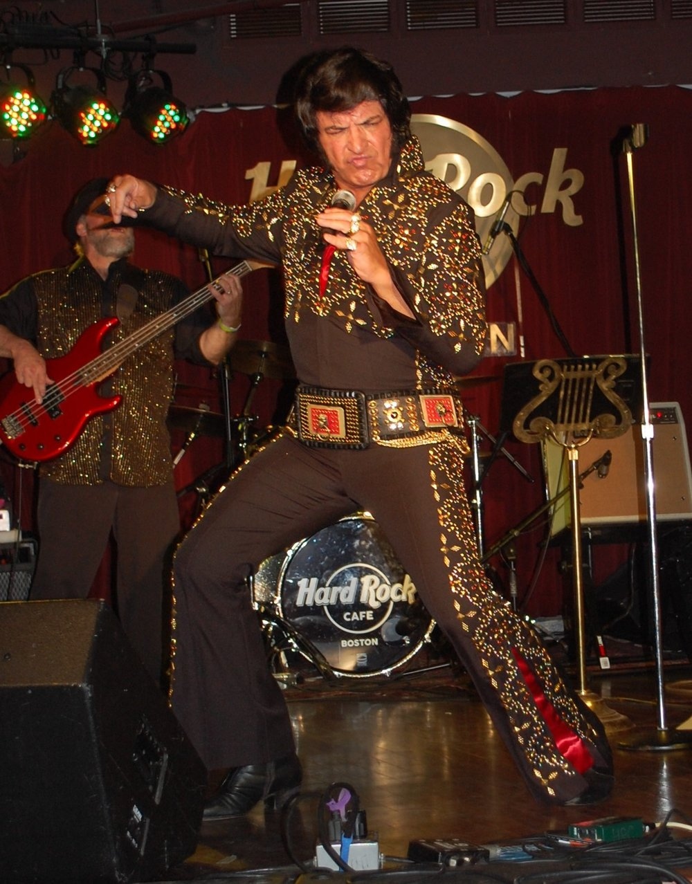 ETA  Mark Shelton  at the Hard Rock Café.   Photo Credit:  Lucille O'Donnell.
