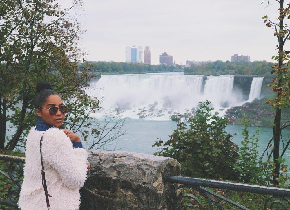 Elaisha Jade at Niagara Falls
