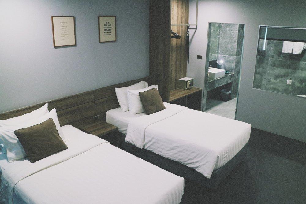 x2 vibe decem hotel room