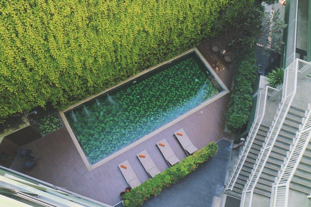x2 Vibe Decem Hotel pool