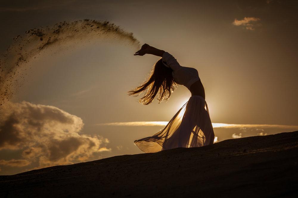 DeannaDeaconCoaching-EmbodyingGoddessRetreat-SunDanceWoman