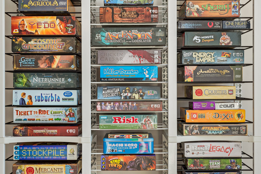 Exceptionnel BoxThrone Board Game Shelves