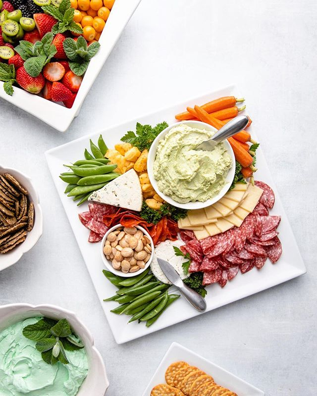 My contribution to the annual St. Patty's Day party. Sweet and savory dips and nosh 🧀 🍓🥕 . Today I'm filming this week's video, the third installment in our series on color. I'm taking a risk and doing something different, but my hope is that it will give you a fresh perspective on this complex and abstract topic. 🎨 Happy Monday and happy snappin' 📸 Canon 5D MarkIV - 26mm - f3.2 - ISO100 - 1/200 - Godox AD600 Pro moonlight inside 55'' octagon softbox #foodphotography #tastingtable #imsomartha #mycanon #meandmymanfrotto #foodnetwork #foodbloggerpro #communityovercompetition #bastaff #nytfood