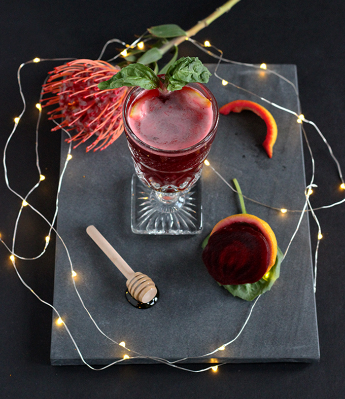 Sweet Beet & Basil Cocktail Only 5-Ingredients is the perfect healthier cocktail for your next brunch. Loaded with nutrients with a splash of vodka. #easycocktails #beets #vodka