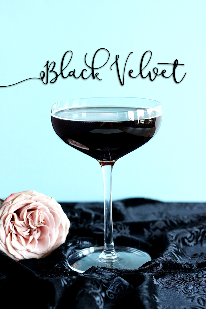 Beautiful Black Velvet Cocktail made with Champagne + Guinness! #2ingredients #easycocktails #champagne #guinness
