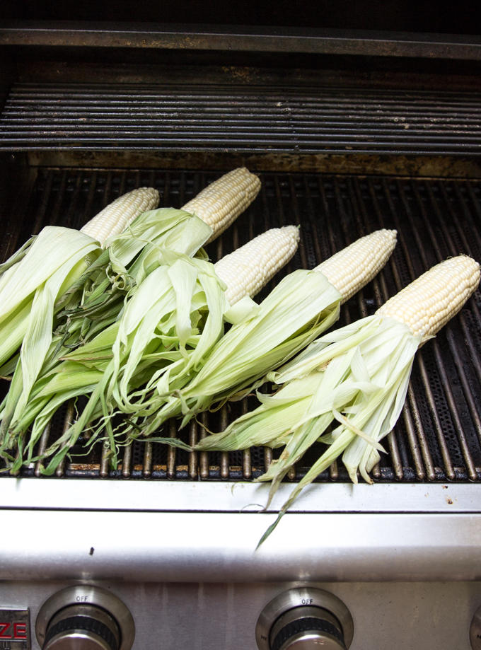 Grilled North Carolina corn for sweet n' spicy grilled corn on the cob #grilledcornrecipe #nccorn | CheersYears.com