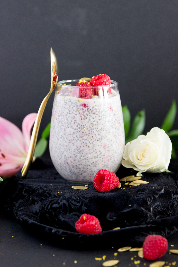 Busy girl's detoxifying raspberry chia pudding makes a special breakfast or snack that will feel like indulgence but is packed with fiber & protein! #raspberrychiapudding #healthyeats