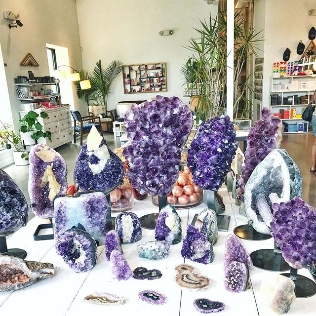 I was curious about crystals when I walked into this wonderland. I left not only knowing more about these beauties, but also about myself. 💫  The stones that drew me the most were Amethyst and Rose Quartz. 💜 I'm so in love and can't wait to continue learning. For realz magical @everydaymagic ✨🔮 #crystals #localtreasures •—————• #durham #magiceverydamnday  #flashesofdelight #pursuehappy #pursuepretty #livecolorfully #abmbeautifullife #ncblogger #smallthings  #bloggerstyle #thatsdarling #imtheeverygirl #darlingmovement #acolorfullife