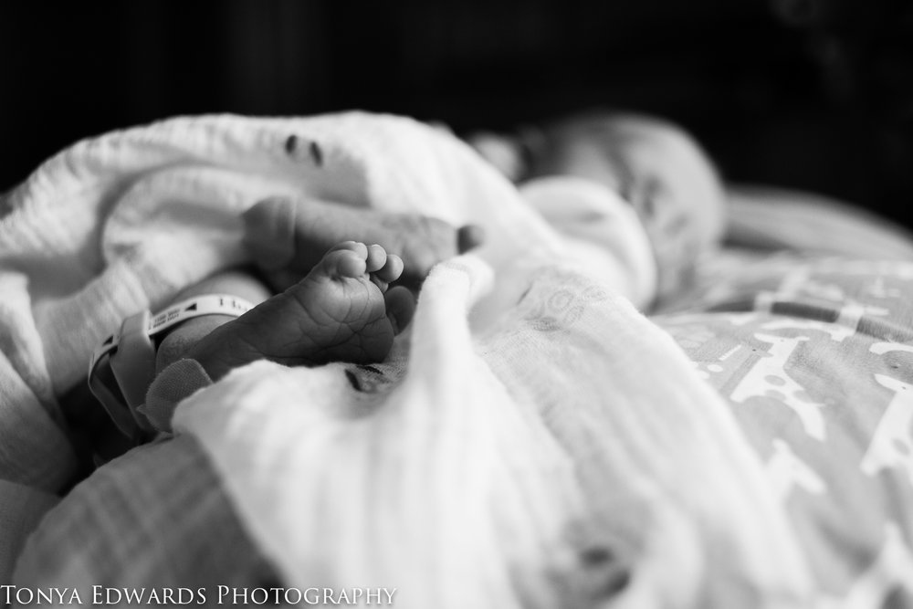 Tonya Edwards | Oroville Newborn Photographer | baby toes 24 hours old