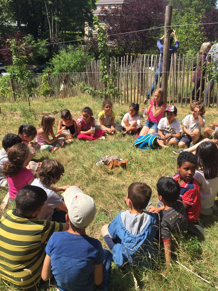 Après-midi pédagogique au verger d'Italie qui est un verger urbain géré  par l'asbl Refresh et le Centre d'écologie urbaine (photo de 2017)