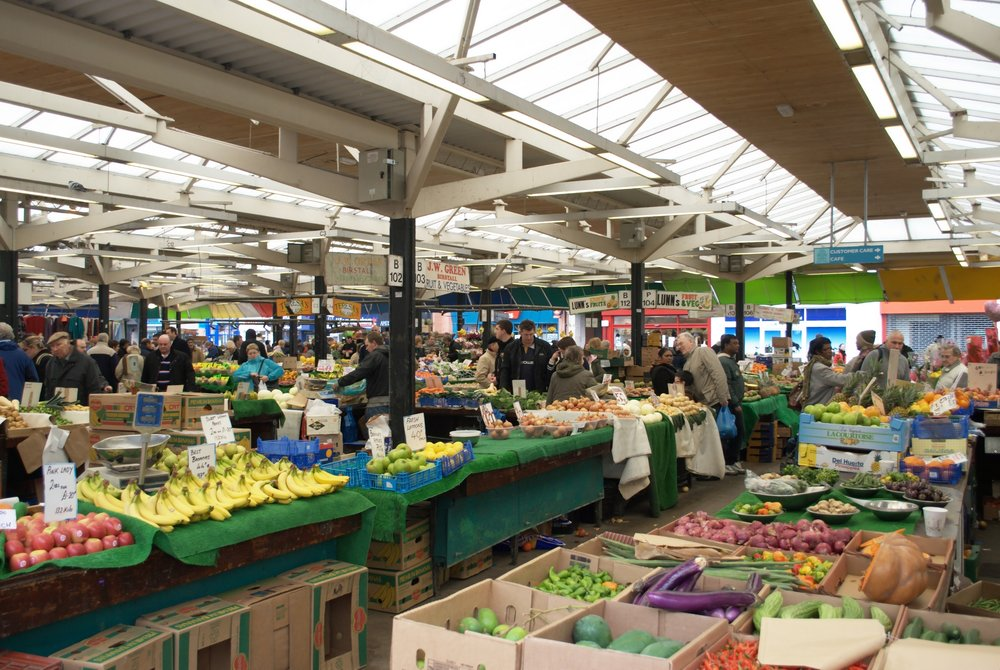 Leicester Market - NotFromUtrecht [CC BY-SA 3.0 (https://creativecommons.org/licenses/by-sa/3.0)], from Wikimedia Commons