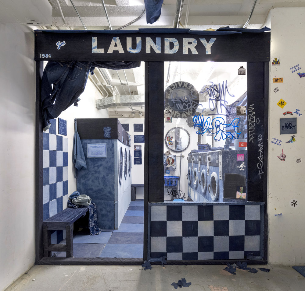 Laundromat Miami - installation by Ian Berry. Ian Berry [CC BY-SA 4.0 (https://creativecommons.org/licenses/by-sa/4.0)]