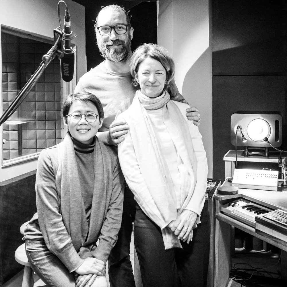 Christine Loh in the studio with Marcy and audio engineer Carsten Martens | © AyaRecordingStudio