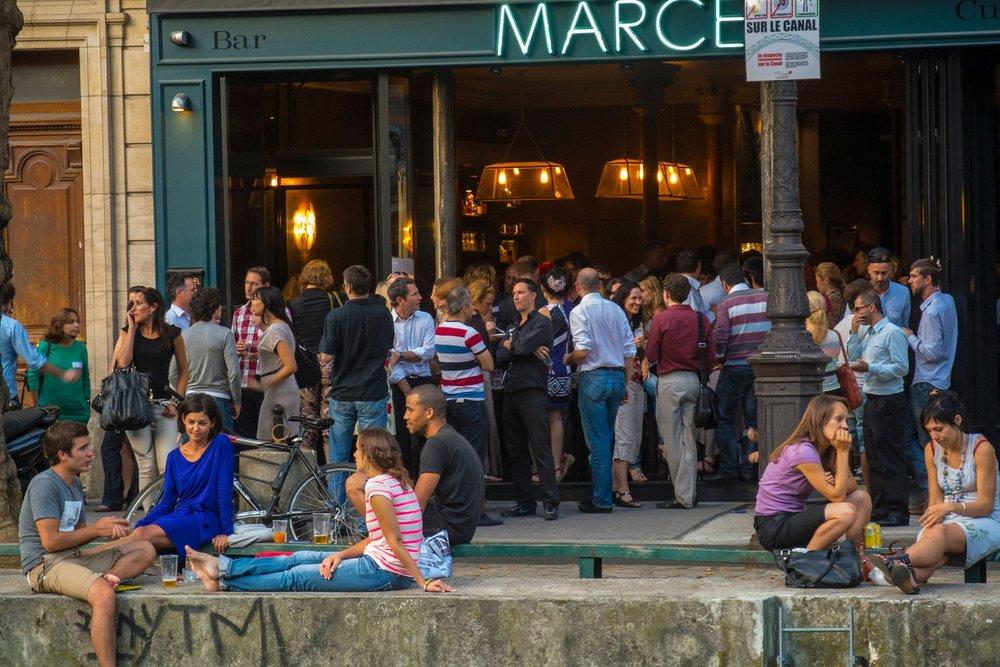 bar-canal-st-martin-paris-conde-nast-traveller-20feb14-alamy.jpg