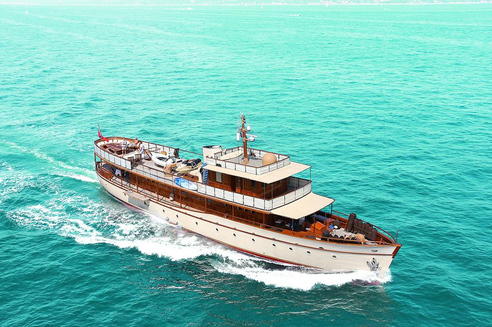 turq-boat-rough.png