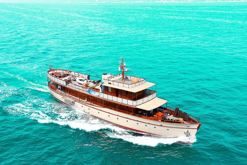 turq-boat-rough.jpg