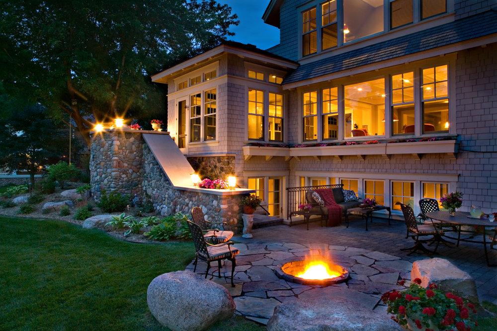 retaining-wall-patio-stairs.jpg