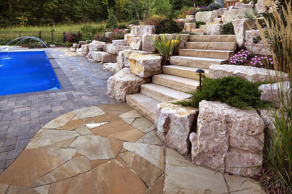 pool-stairs-limestone.jpg