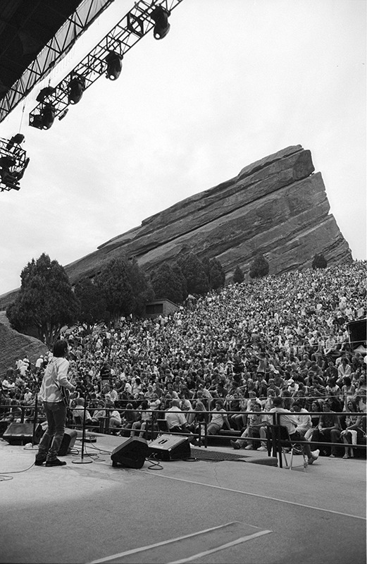 Blake singing one of his songs at Red Rocks, 2007.