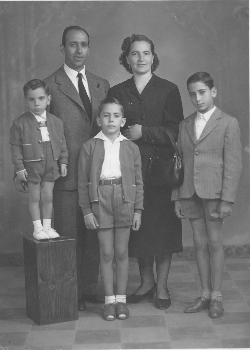1Family Photo- 1960.jpg