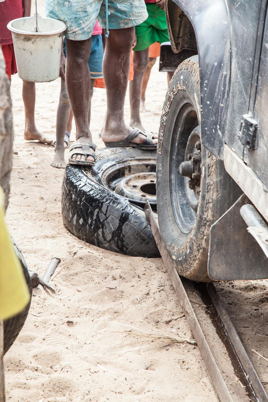 Tyre changing in Mandronarivo
