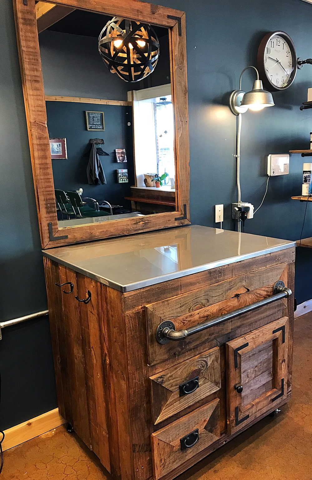Barber shop vanity - Finished