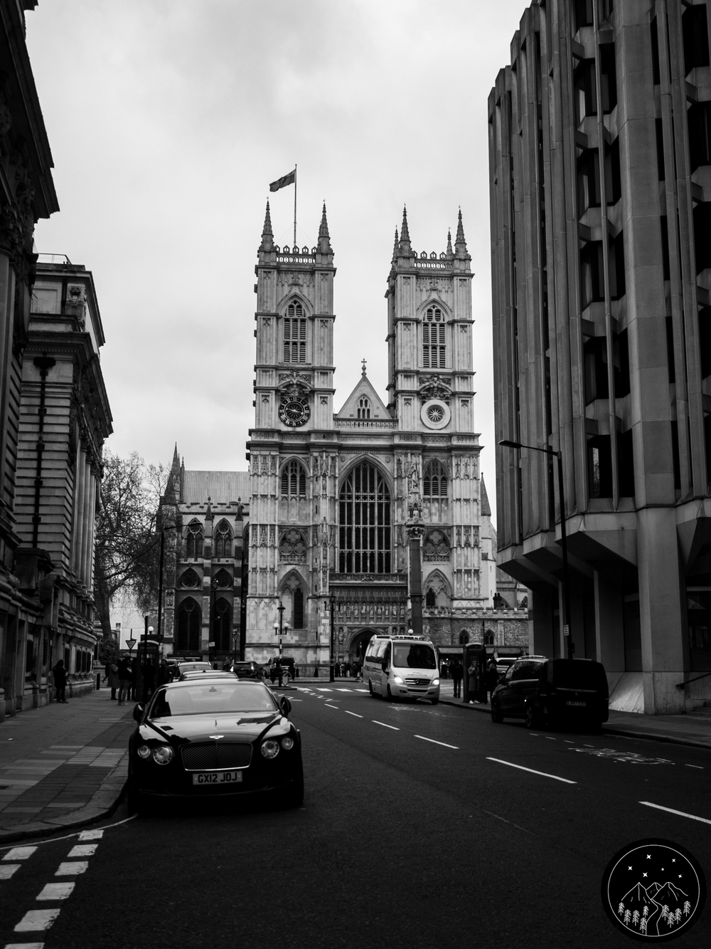Image Description: Street view of Westminster Abbey.