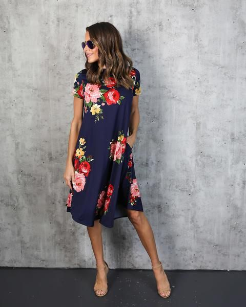 I'm normally a black on black kind of girl, but every once in awhile, there's a floral that grabs me. This one is 80% grabbing me. Made by Vici Collection.