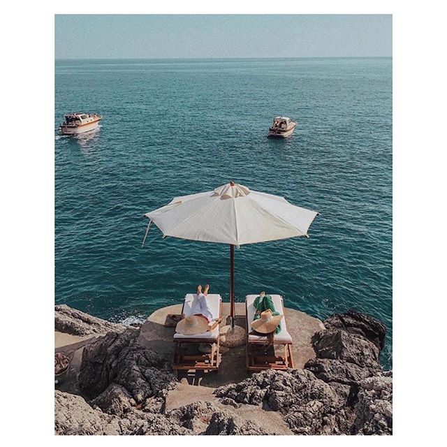 Sister, Pack a bag and let's go here! . . . . . #sette #settesister #italy #springbreak #travel #fashion #sisters