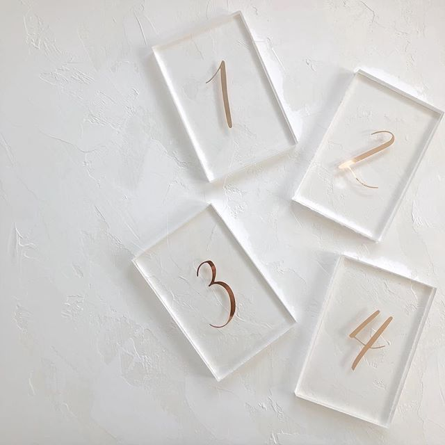 Rose gold foil on acrylic - do table numbers get sleeker than this? 😬 . . #moderncalligraphy #calligraphy #lettering #handlettering #torontocalligrapher #stylemepretty #thatsdarling #pursuepretty #risingtidesociety #risingtideyyz #chasinglight #flashesofdelight #theknot #makersmovement #petitejoys #loveauthentic #wedding #weddingcalligrapher #weddingdetails #weddingstationery #weddingpaper #torontowedding #torontoevents #gtawedding #weddinginspiration #weddinginspo #classicwedding #tablenumbers #acrylic