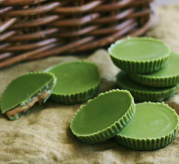 Matcha peanut butter cups
