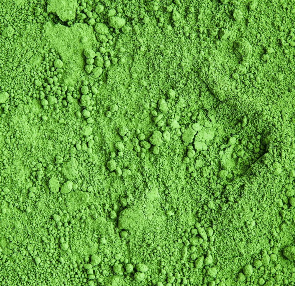 1. Colour - This is the easiest way to tell the difference between good and bad matcha. The rule is simple: the greener your matcha, the better it is. Not to mention bright green smoothies and cookies look awesome (see for yourself on our recipe page)! In order to get this bright green colour, matcha needs to be grown in the shade to produce more chlorophyll & antioxidant content. This is what gives it its nice bright green colour.In contrast, lower quality matcha will be darker green and sometimes even yellow. You should always seal your matcha after use to ensure oxidisation does not occur as this will darken the colour of your matcha and negatively affect the taste and quality.