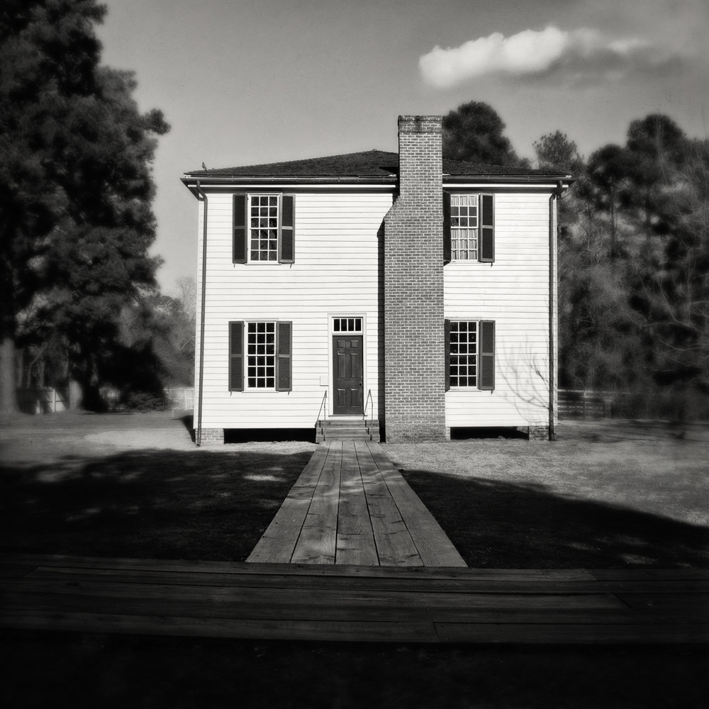 Old Washington House 1_bw.jpg