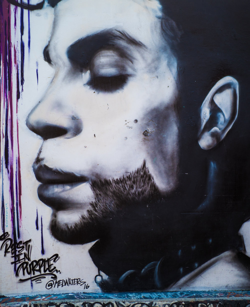 My favorite of all the graffiti images! Prince...rest in Purple <3