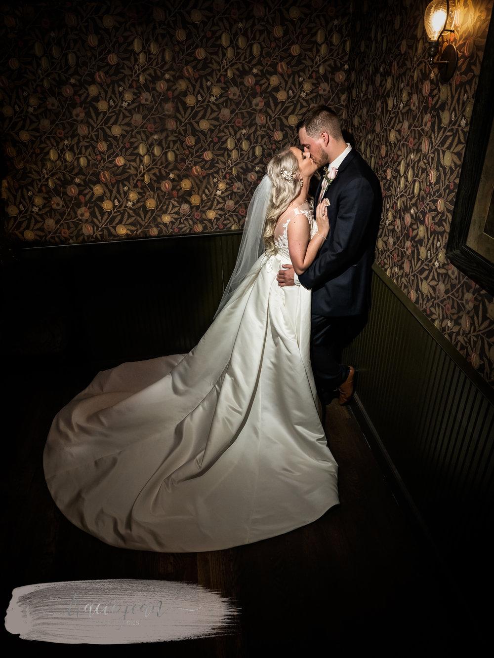 Husband & Wife Kiss