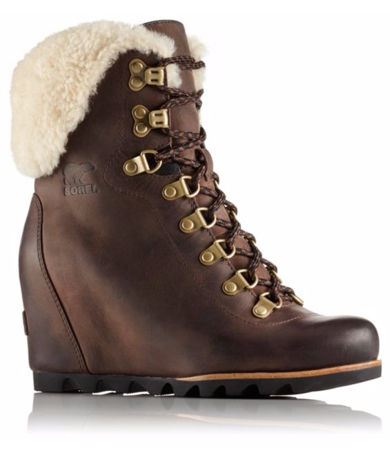 Sorel Conquest Wedge Shearling - Tobacco/Black (PC: Sorel.com)