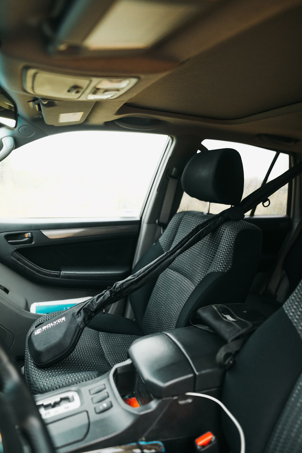 Fit rigged fly rod easily in vehicle using FRS-9
