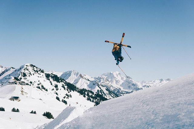 Spring session 🎿  #eteclothing #captainfin #snow #ski #freeski #damüls #adventure #travelphotography #skiphotography