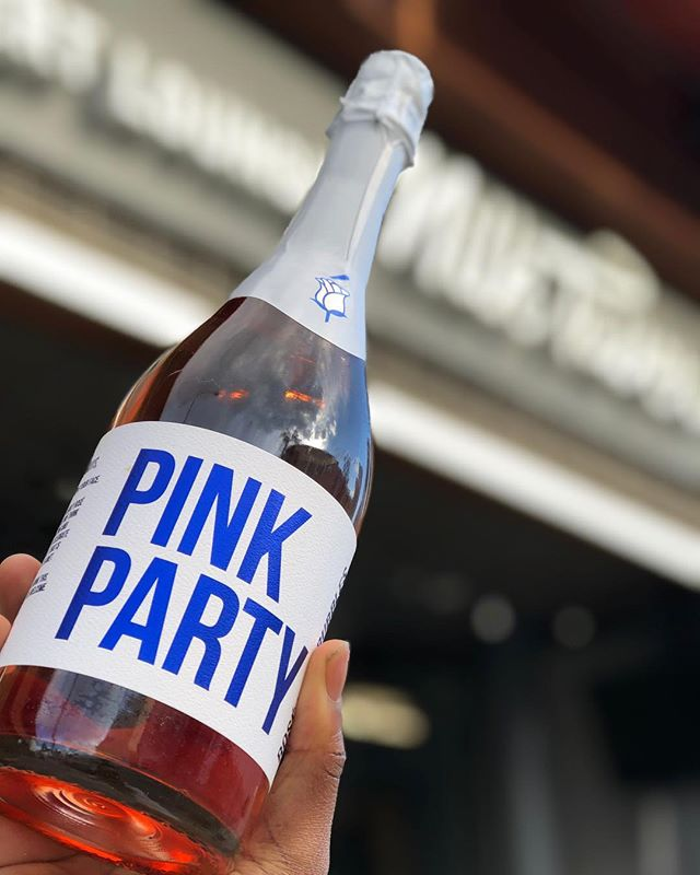 It's not a party unless @drinkbabe is invited, right? Stop by this Sunday for our Oscars viewing party and grab a bottle of @drinkbabe Pink Party Champagne 🍾 this special will be available $25 all day this Sunday! . . . #california #instagood #ktown #losangeles #oscars #nom #foodie #rosé