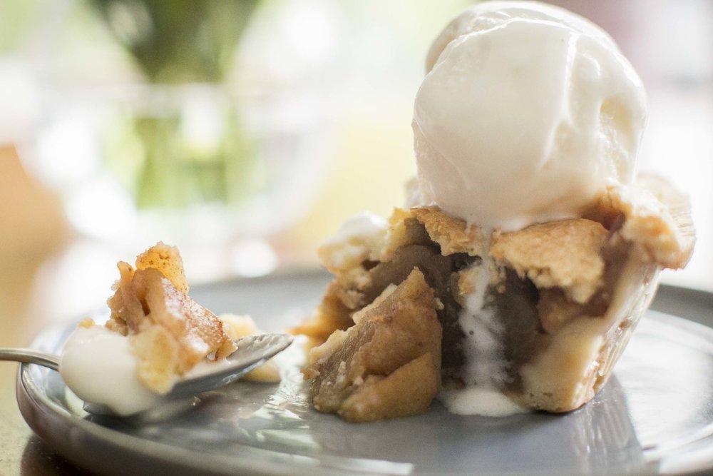 Apple pie (10).JPG