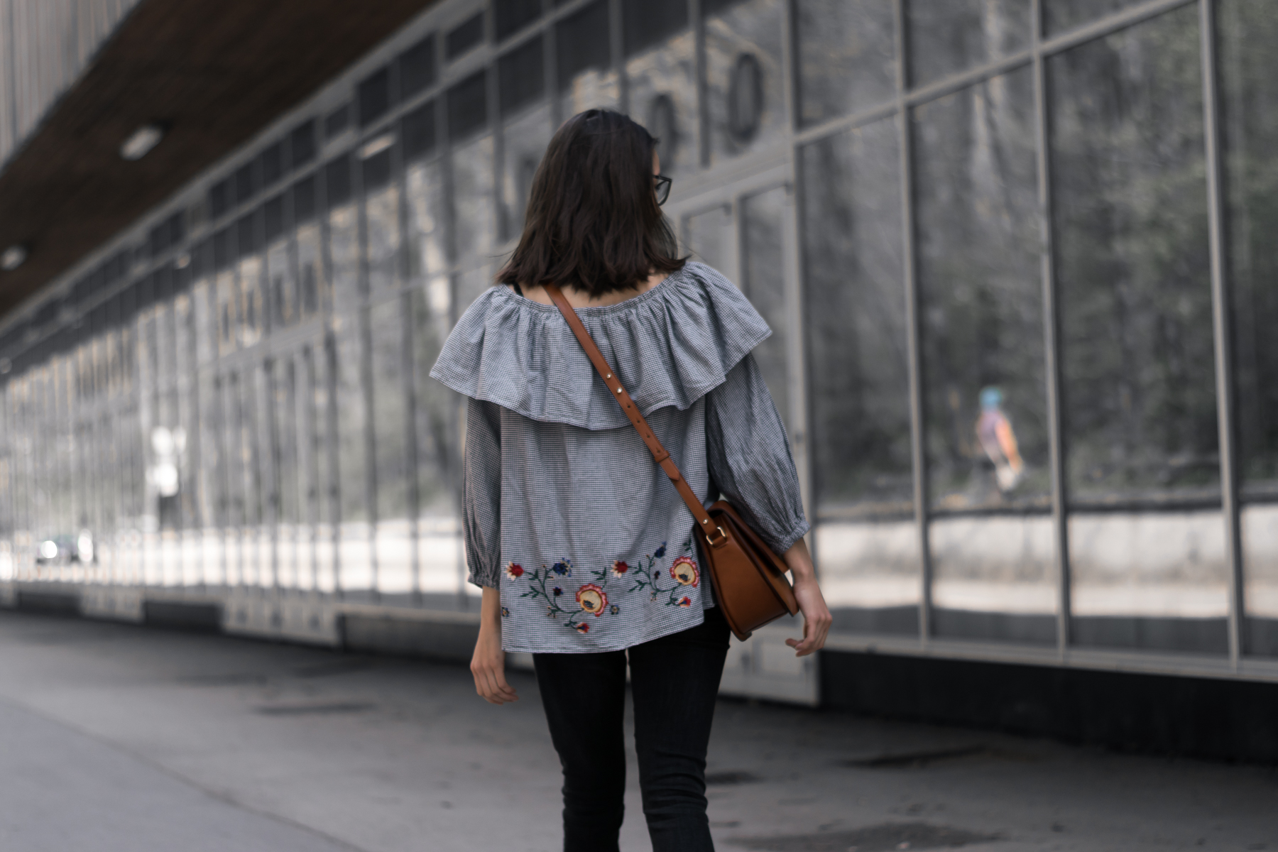 fashion blogger fashnfudge, spring outfit inspiration, modna blogerka, usnjena torbica, vivas project