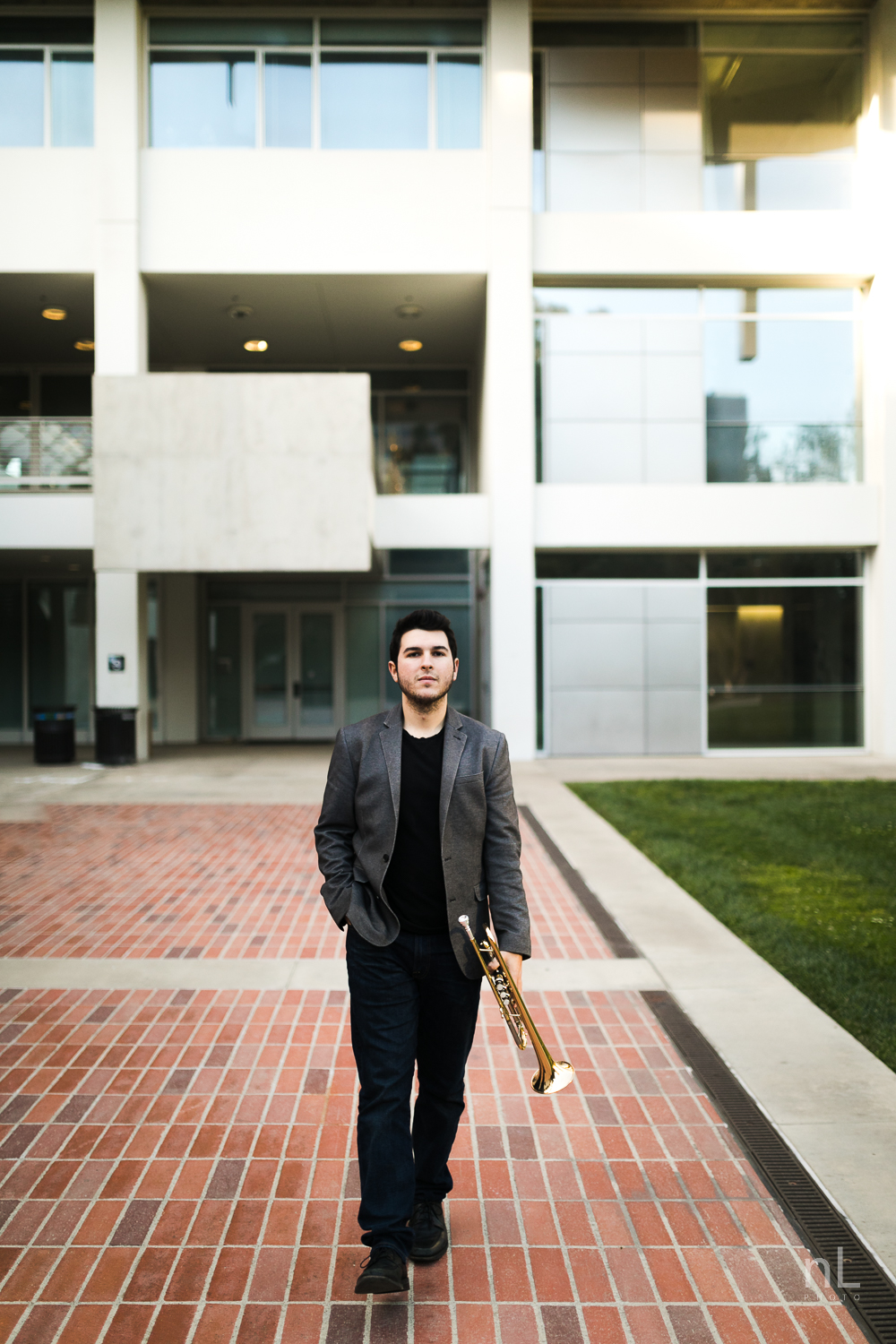 los-angeles-musician-portraits-trumpet-player-ucla-walking-down-path