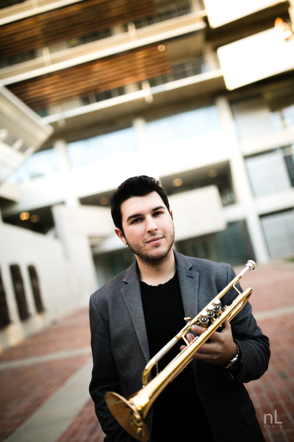 los-angeles-musician-portraits-trumpet-player-in-suit-at-ucla