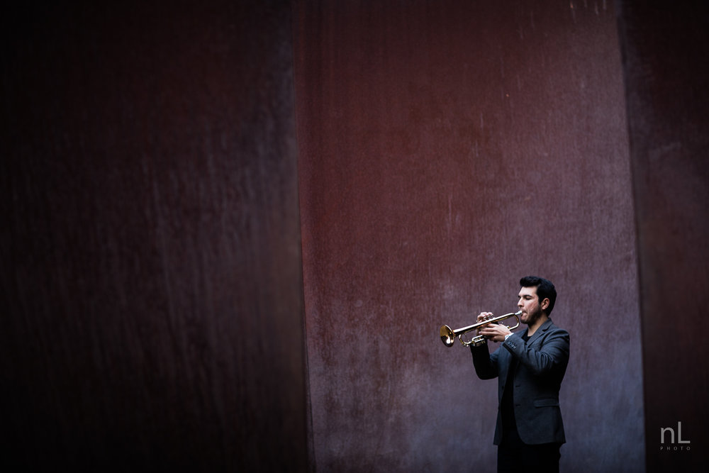 los-angeles-musician-epic-dramatic-environmental-portraits-trumpet-player-in-suit-playing