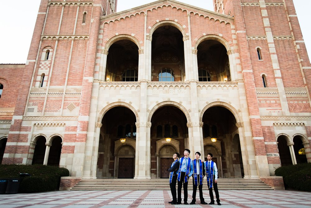 los-angeles-ucla-senior-graduation-portraits-friends-at-royce-hall-epic-environmental-photo