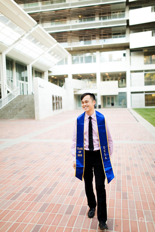 los-angeles-ucla-senior-graduation-portraits-guy-walking-sashes
