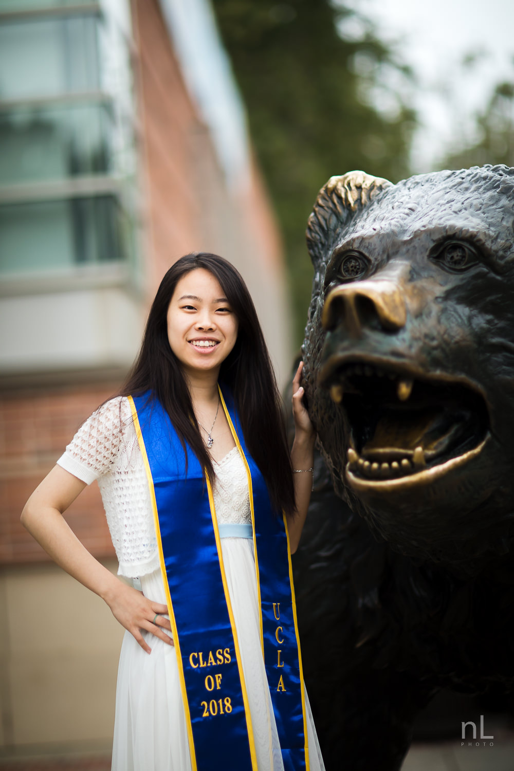 los-angeles-ucla-senior-graduation-portraits-9725.jpg